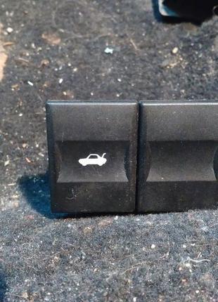 Кнопка открытия багажника Ford Mondeo mk3
