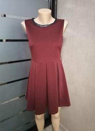 Платье с пышной юбкой, короткое платье со складками