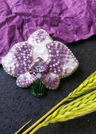 Брошь из бисера орхидея