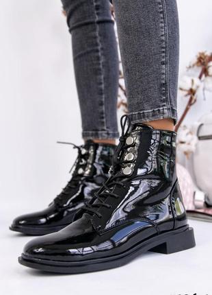 Лаковые натуральные женские ботинки чёрные