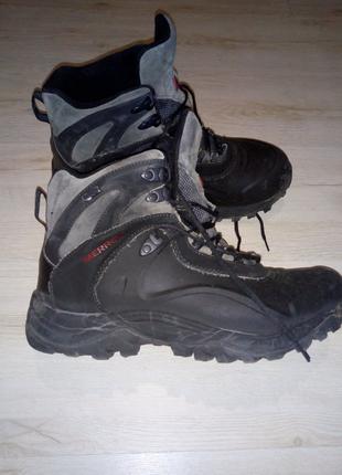 Оригинальные трекинговые ботинки merrell