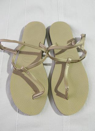 Босоножки  шлепанцы вьетнамки havaianas р.39 бразилия