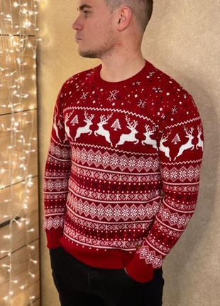 Свитер с оленями. новогодний шерстяной свитер