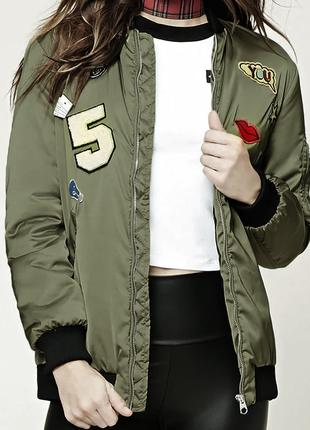 Куртка бомбер женская с нашивками FOREVER 21 р.L Original