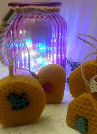 Набор свечей-игрушек из натуральной вощины.