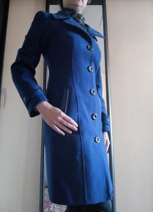 Синее пальто из натуральной шерсти