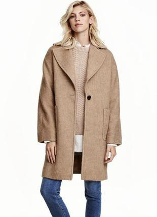 Шерстяное демисезонное пальто в стиле оверсайз