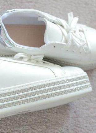 Кроссовки кроссовки