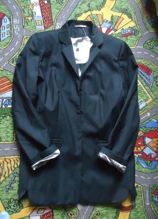 Стильный шерстяной блейзер пиджак