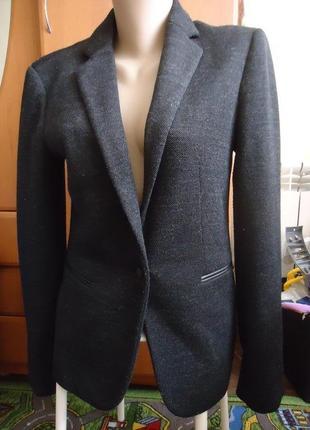 Стильный брендовый пиджак блейзер