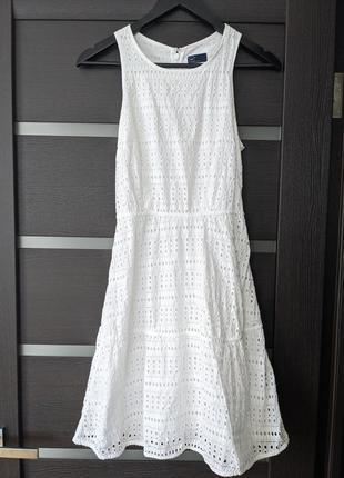 Летнее белое платье с открытыми плечами gap, 100% хлопок