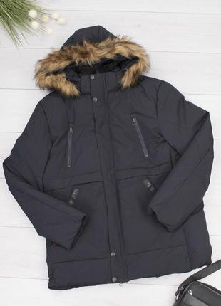 Мужская зимняя куртка с мехом на капюшоне