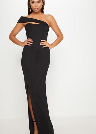 Чёрное вечернее платье макси с высоким разрезом на ноге