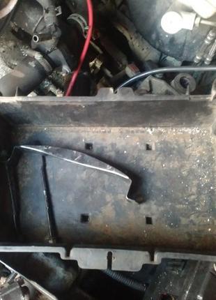 Корпус под аккумулятор Ford Mondeo 3