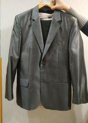 Випускний костюм для старшокласника