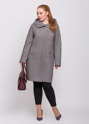 Женское демисезонное серое пальто с капюшоном