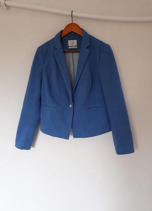 Пиджак небесно голубого цвета