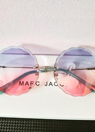 Стильные трендовые очки,  с прозрачной цветной линзой