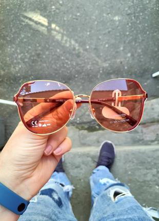 Красивые солнцезащитные женские крупные очки с цветной линзой