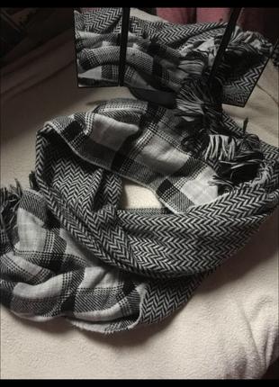 Двухсторонний шарф палантин.