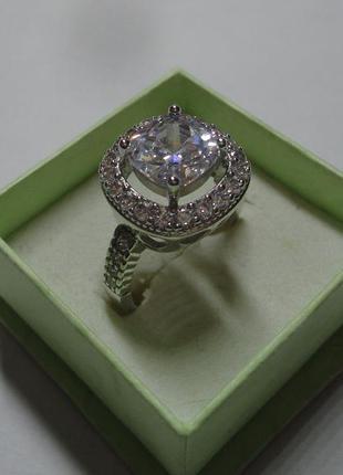 Роскошное брендовое кольцо с кристаллами кубического циркония ...