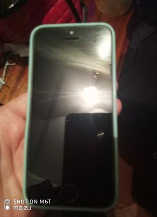 Телефон Айфон 5 в идеале