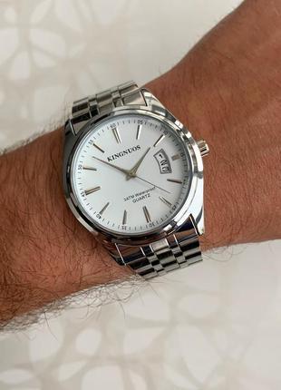 Мужские часы kingnuos серебристые с датой