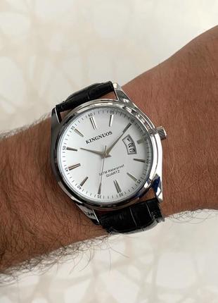 Мужские часы kingnuos искусственная кожа с датой чёрные с белым