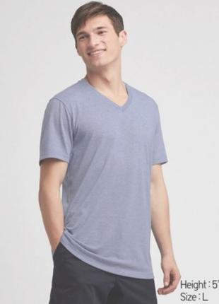Мужская футболка uniqlo dry color с v-образным вырезом размер с