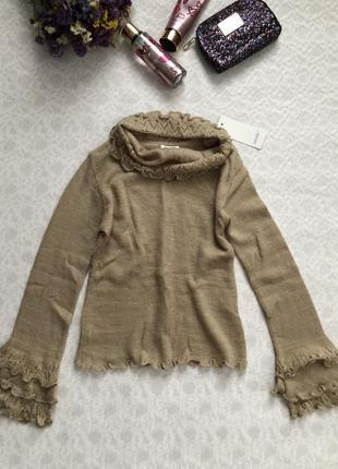 Махеровый натуральный  свитер с рюшами актуального цвета s_m