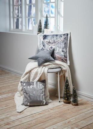 Новогодняя декор подушка с оленем . декоративная , серая