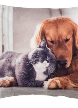 Милая декоративная подушка с котиком и собачкой
