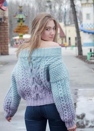 Подиумный свитер ручной работы.