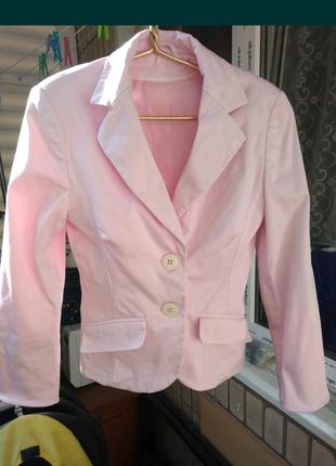 Женский деловой пиджак