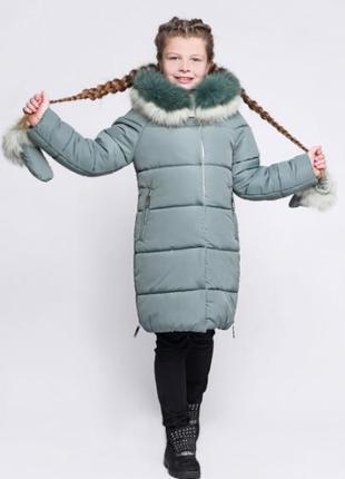 Пальто, куртка зимняя на девочку.