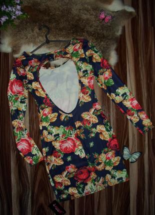 Короткое платье печатная вышивка с открытой спинкой,50% коттон...