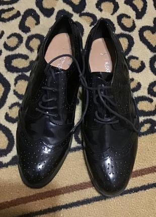 Лакові туфлі лофери ботинки next