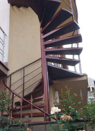 Покраска лестниц, дверей