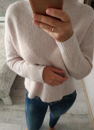 Теплый пудровый свитер тренд воротник стойка шерсть альпака