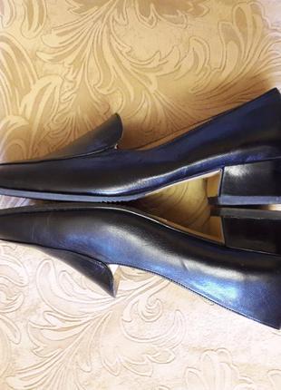 Фирменные кожаные туфли лоферы