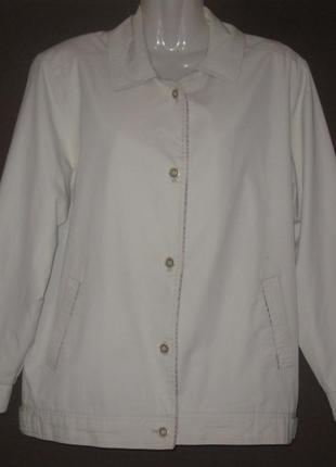Куртка женская деми, белая. на пуговицах. курточка -  штурмовк...