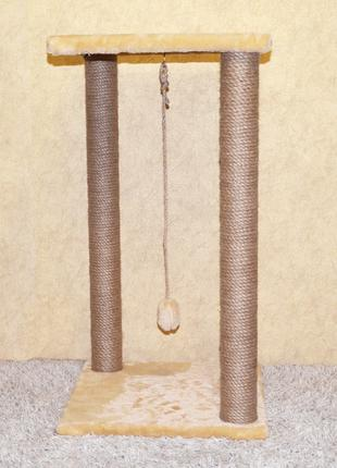 Когтеточка высотой 75 см с двумя столбами и квадратной лежанкой