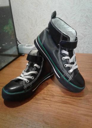 Обувь демисезонная на мальчика,б/у ,кеды теплые.30 размер