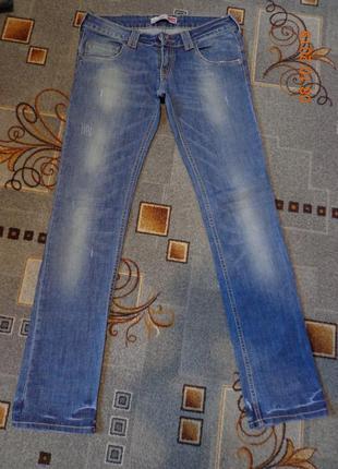 Шикарные джинсы размер 29