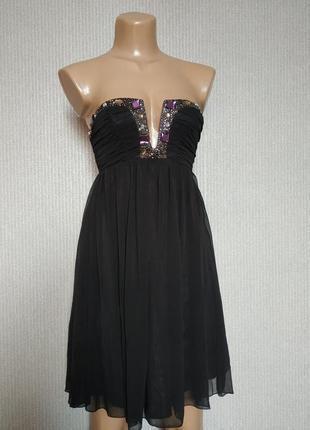 Стильное черное платье короткое с открытыми плечами