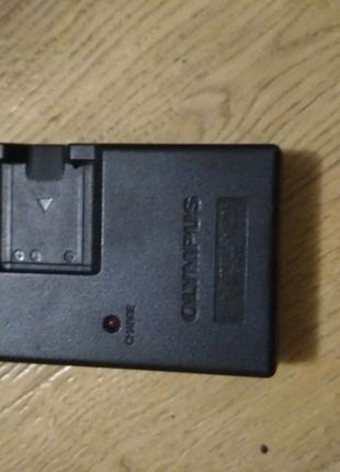 Зарядка аккумулятора Olympus