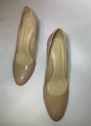 Туфли бежевые женские 39
