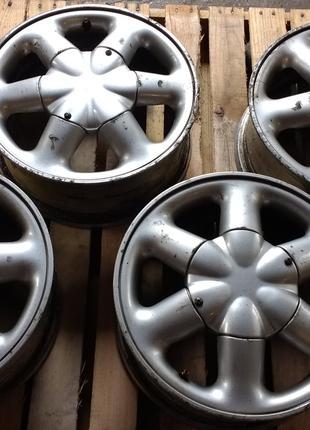 Диски Renault 7700437977 r15, 6J, 4x100, DIA 60.1, ET 43