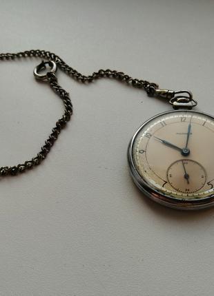 Часы механические карманные Молния (СССР) на цепочке. Рабочие