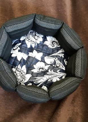 Красивая новая лежанка лежак для кошек и собак размер 40×40×19см